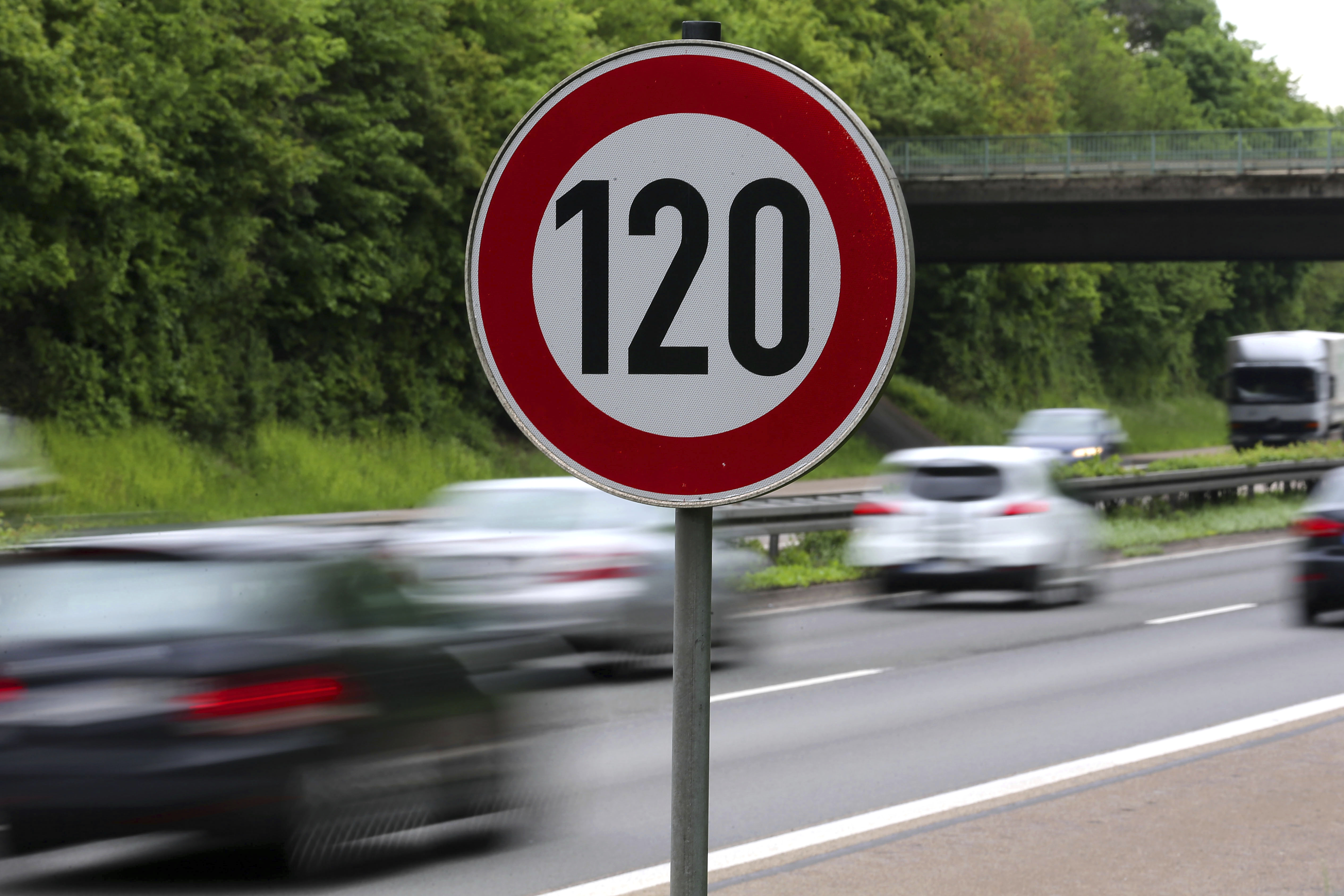 UK Retiree Spends 37,000$ Fighting 120$ Speeding Ticket