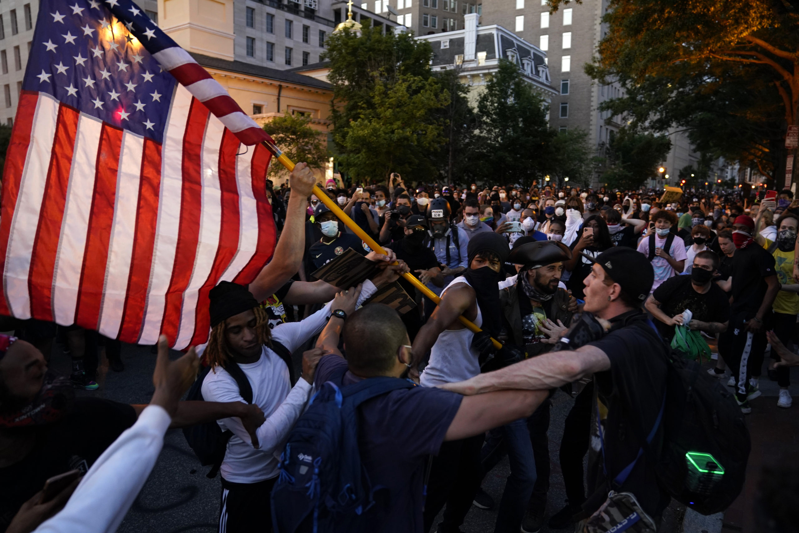 Protesters Converge On White House For Second Straight Day ...