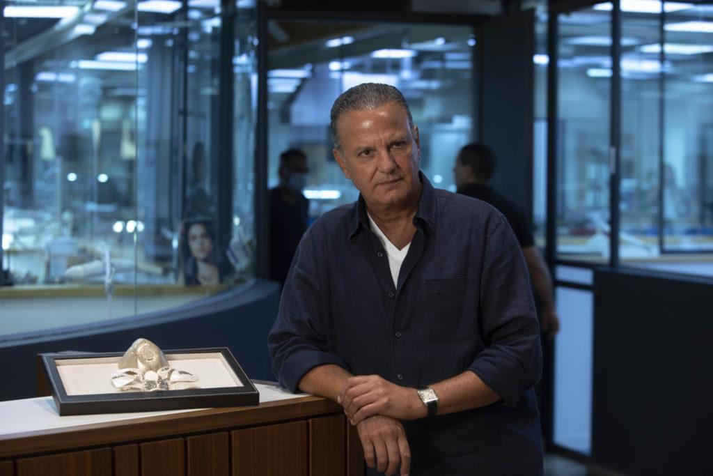 Photos: Israeli Jeweler Makes $1.5M Gold Coronavirus Mask 2