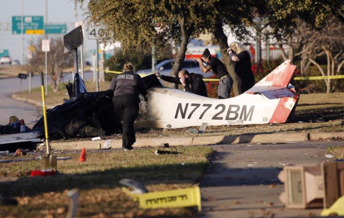2 Killed When Plane Crashes Along Texas Service Road 1
