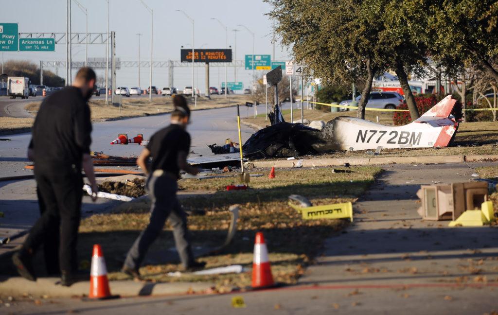 2 Killed When Plane Crashes Along Texas Service Road 2