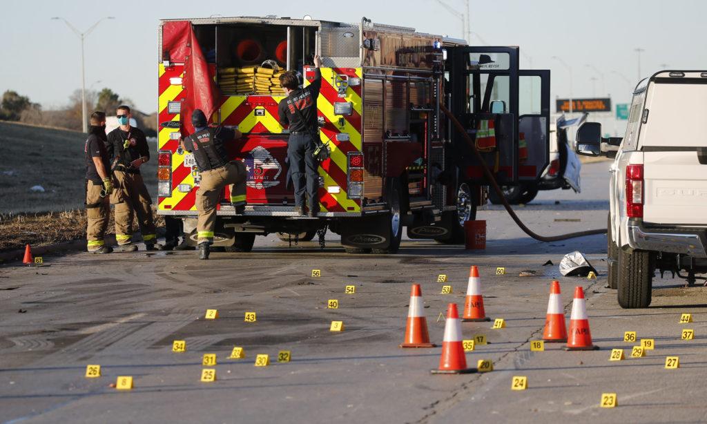 2 Killed When Plane Crashes Along Texas Service Road 3