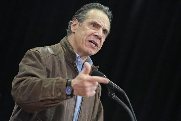 NY Gov. Cuomo Acknowledges Behavior Seen As 'Flirtation'