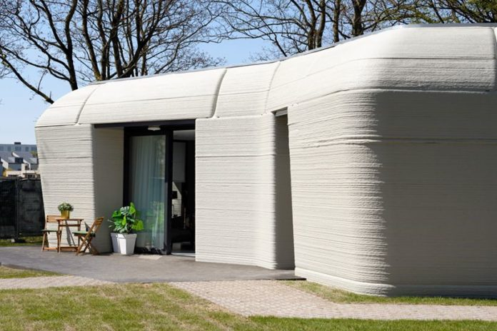 Dutch Couple Enter World's 1st 3D Home- Built In Just Five Days 11