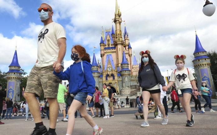 Florida's Amusement Parks Loosen Mask Wearing