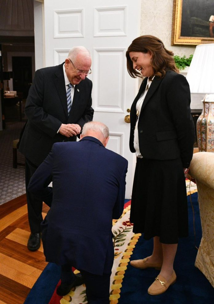 When President Biden Heard Rivlin's Aide Rivka Ravitz Is Mother Of 12, He Bowed Down To Her 1