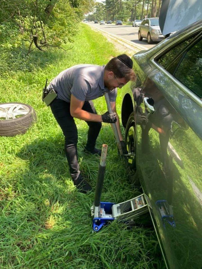Orthodox Jewish Good Samaritan Says Highway Tire Change Just the Right Thing to Do